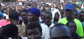 Besigye Insists  at Pader Rally That he Will Increase Teachers Pay