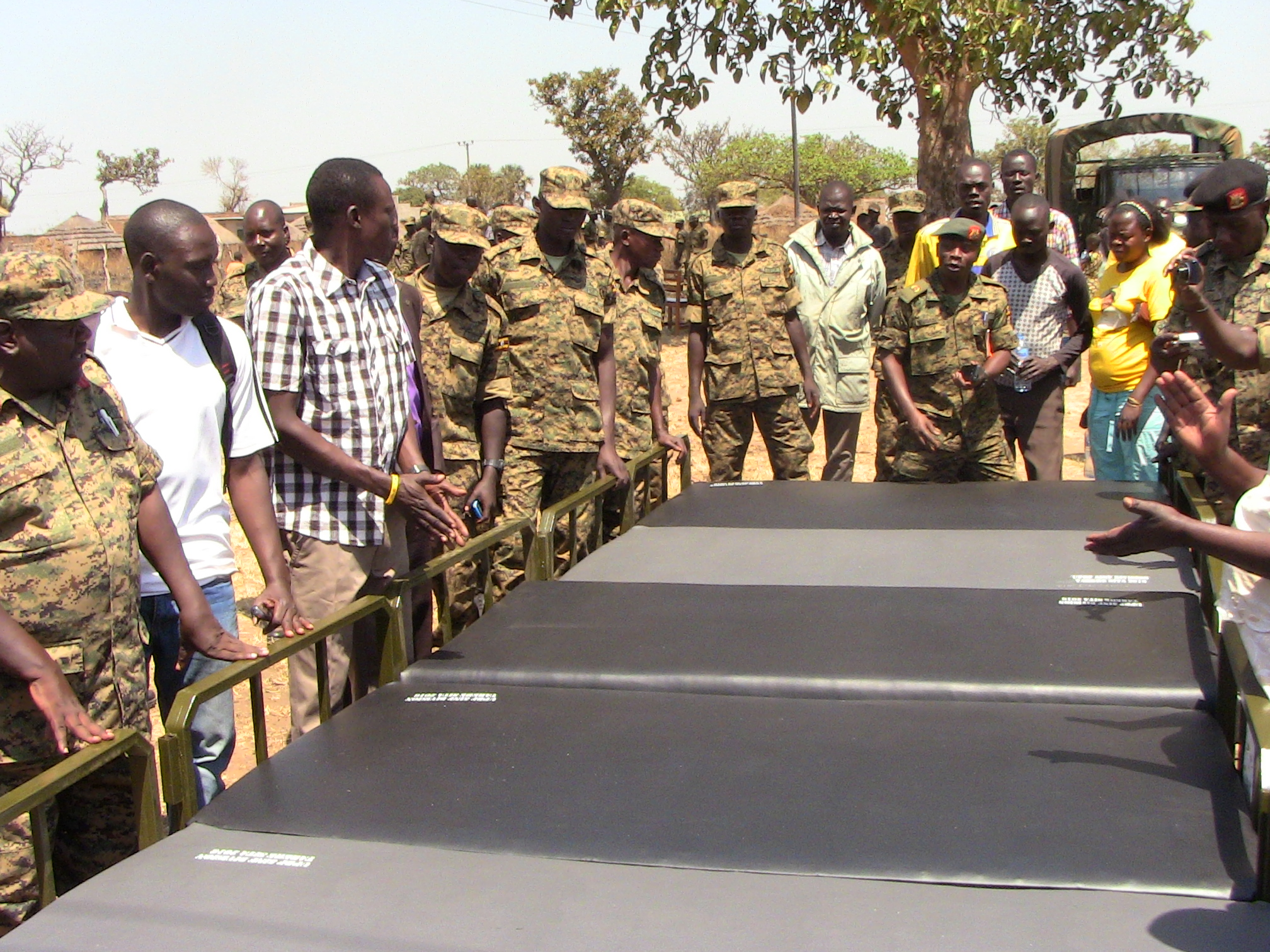 Army donates beds to Corner Kilak health centre III to aid post delivery mothers.