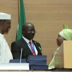 General Oketta recieves his Ebola Heroe Medal from From AU chairperson Idriss Deby from Ethiopia